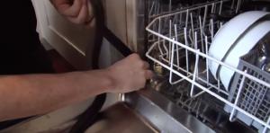 Wie tauscht man die Türdichtung an einem Siemens Geschirrspüler aus?