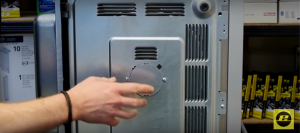 Motor der Drehscheibe einer Mikrowelle austauschen