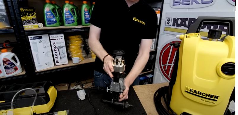 Wie repariere ich elektrische Bauteile am Kärcher Hochdruckreiniger?